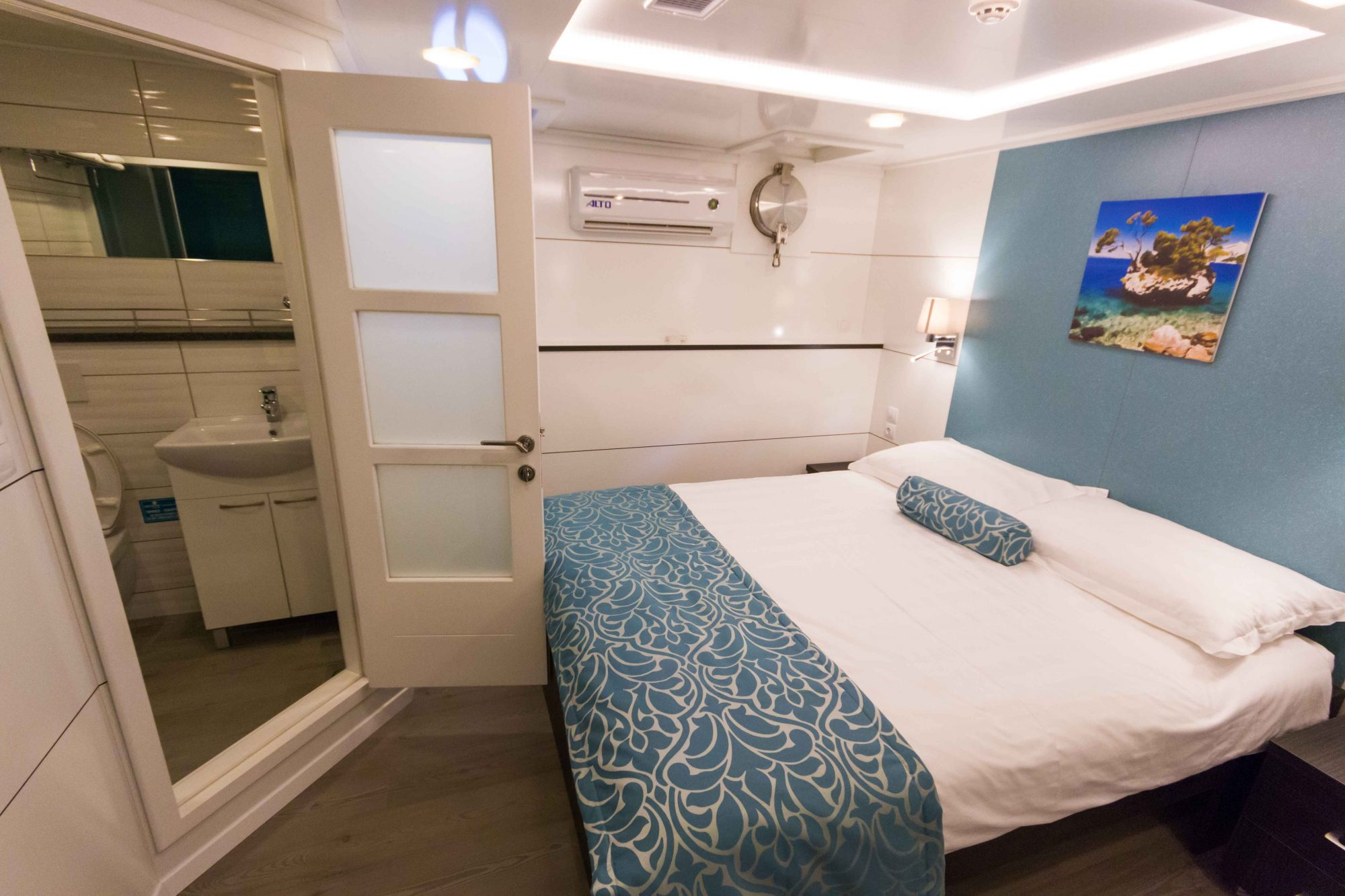 Admiral Dlx Croatia Cruises Tours