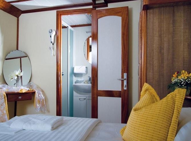 Mendula Dlx Croatia Cruises Tours
