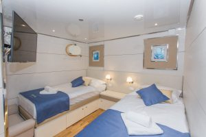 Riva Lower Deck Twin Bed cabin